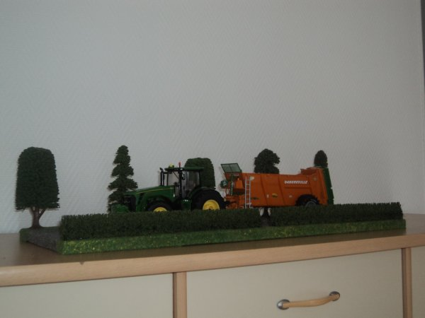 Présentoir pour miniatures agricoles