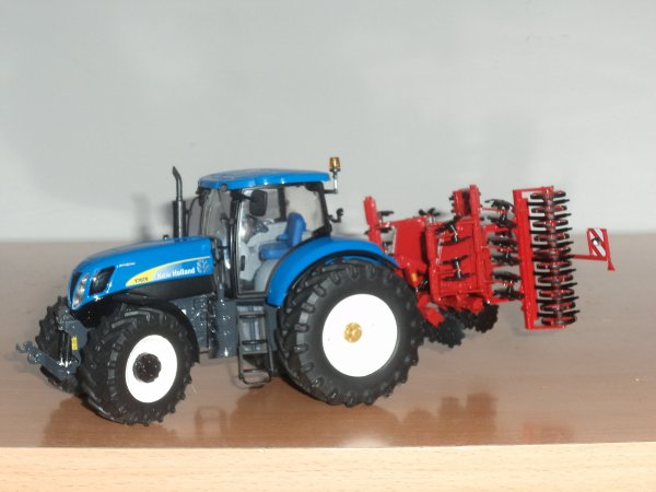 Horsch Joker 4 CT attelé à mon New Holland T 7070