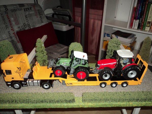 Tracteur Fendt 820 TMS et Massey Ferguson 8690