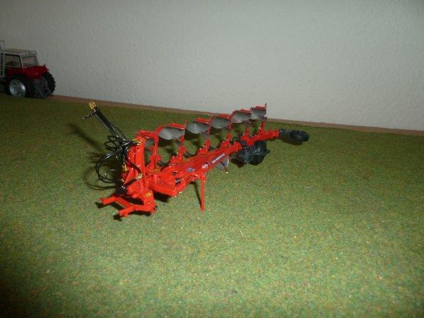 charrue kuhn 183