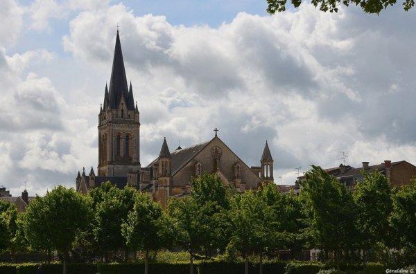 Eglise St-Hilaire à Niort