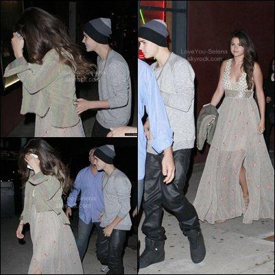 Selena s'arrête au KFC + Jelena + L'actrice la plus populaire du moment .