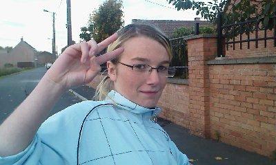moi avec les lunette de ma srabe
