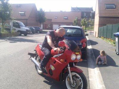 parrain avec sa moto
