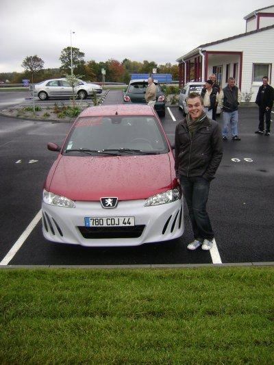 elie et sa voiture
