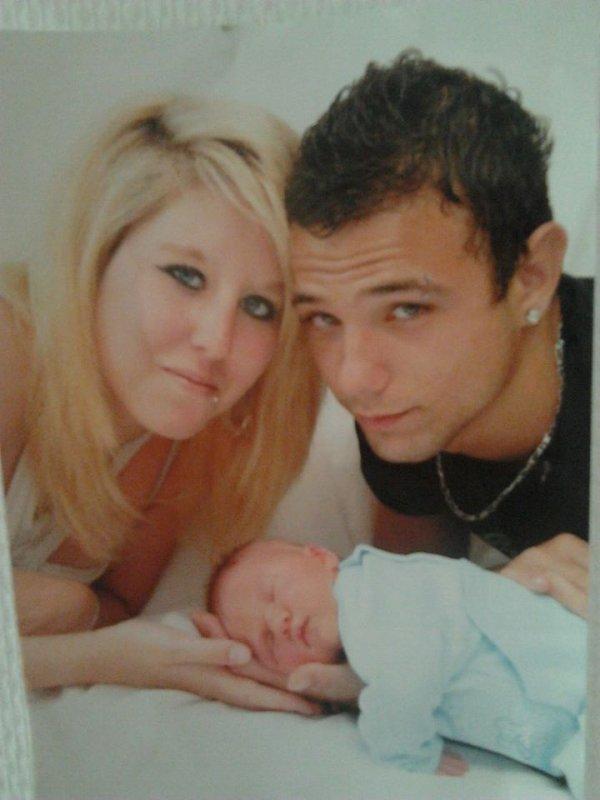 Photo qui date de 2ans a la naissance de notre fils Théo <3