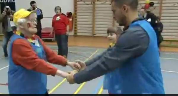 """Le petit pas de danse """"endiablé"""" d'Eden Hazard"""
