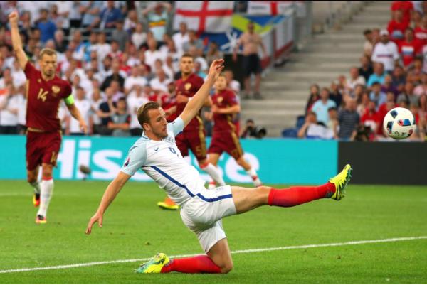 La Russie accroche l'Angleterre dans les dernières minutes