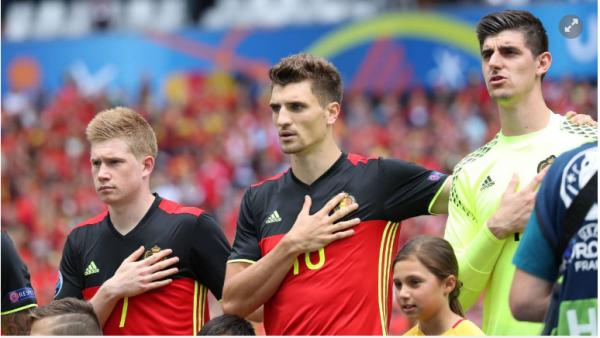 """De Bruyne: """"Envoyer Zlatan à la retraite? Si c'est possible, oui !"""""""