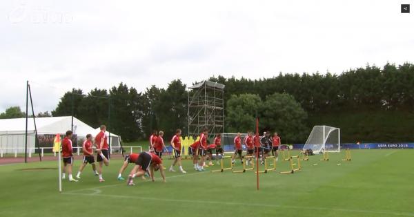 """Chris Coleman: """"Le pays de Galles face à un grand défi contre la Belgique"""""""