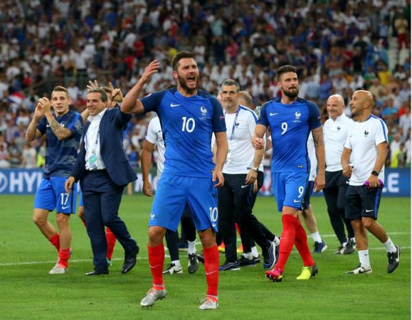 La France en finale après un doublé de Griezmann