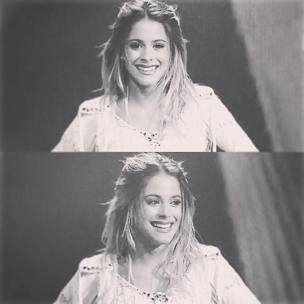 Elle slay tout cette fille , sérieux c'est une vraie perfection ♥♥♥♥♥