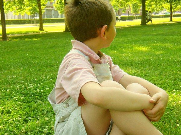 Il est tout ce que j'ai de plus cher au monde, ma raison d'être, ma raison de vivre .        !! gαυтнιєя !!