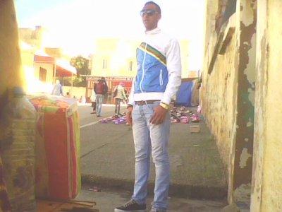 2010 dazat bini w binkom bla téyara walakin t3araft 3la wahad molati 9ota wa3ra natmanaw nkamlo hta l 20111.....