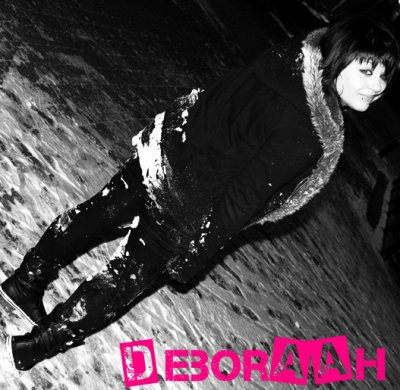 Deboraah débarque sur son blog fan
