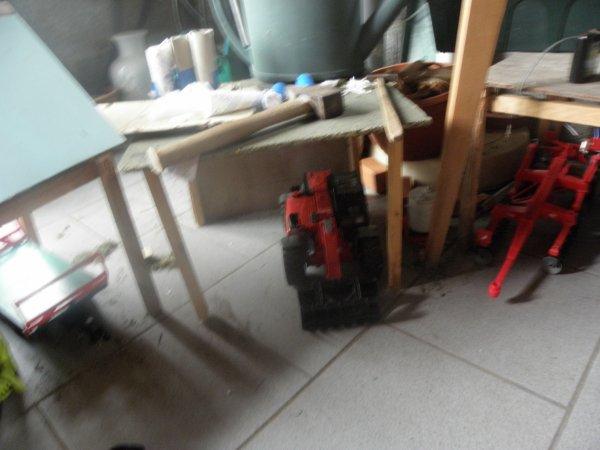 Avec la nouvelle stabul je peut maintenant abriter mon coveur crop et ma bettaillere ainsi que mon vieux manitou dans l'acien hangar a paille