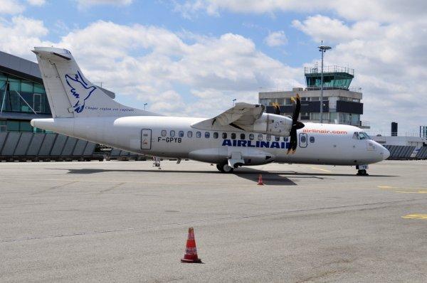 ATR 42 Airlinair pris à L'aéroport de Rennes St-Jacques