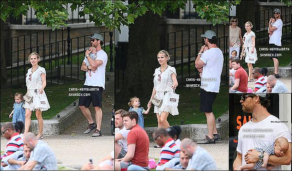 22/06/2014 : Chris Hemsworth  et sa femme Elsa faisaient une promenade avec leurs 3 enfants  Les news viennent de la page facebook Chris Hemsworth World, Il semblerai selon arsonist01.tumblr.com que Chris tiendrai Sasha