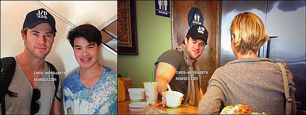● Chris toujours au Japon a posé avec un fan et était avec sa femme Elsa qui est de dos
