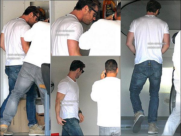 13/02/2014 : Chris  a été rendre visite à un ami à   Malibu dommage qu'il n'y ait pas beaucoup de photos _