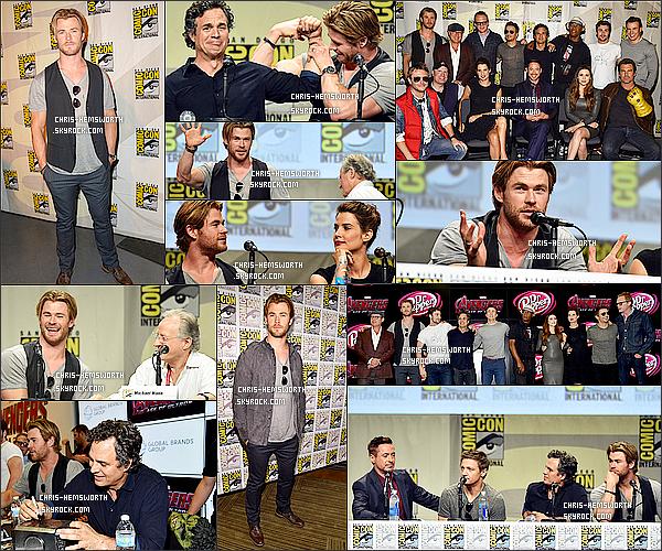 . 26/07/2014 : Chris Hemsworth tout souriant était présent au  « Comic Con »  de San Diego en  Californie. Le cast d'Avengers était également présent , Chris s'est même amusé a comparer ses biceps avec Mark Ruffalo alias Hulk dans Avengers .