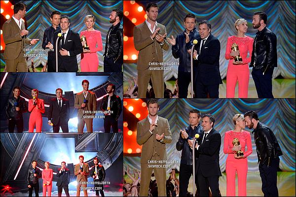 . 12/04/2015 : Chris   et ses co-stars de Avengers étaient aux  MTV Movie Awards pour promouvoir Avengers 2  La cérémonie s'est déroulée au Théâtre Nokia. Les acteurs d'Avengers 2 : L'ère d'Ultron ont également dévoilé un nouveau clip du film .