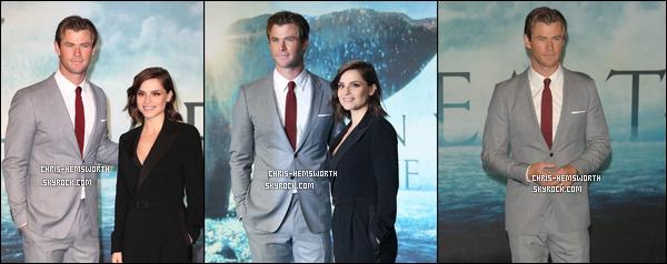 """02/12/2015 - Chris assistait à la première de son film """"In the Heart of the Sea"""" à Londres (Angleterre)"""