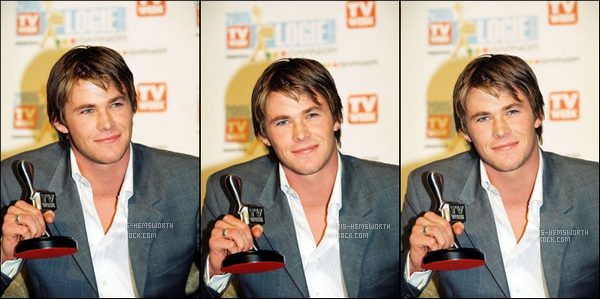 """01.05.2005 : Chris Hemsworth âgé de 22 ans à l'époque était présent aux """"TV Week Logie Awards"""" , très classe !"""