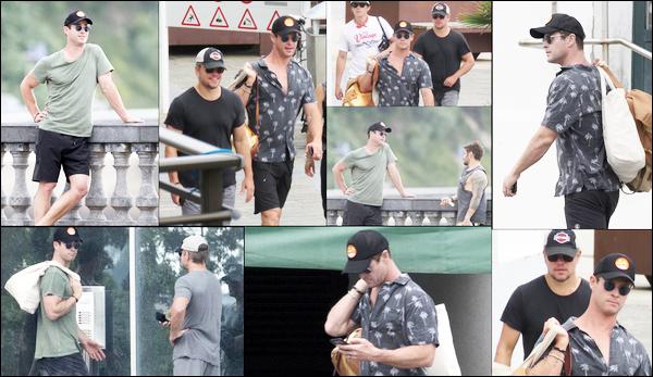 19.07.2018 :  Chris, et son meilleur ami Matt Damon passent des vacances en famille à San Sebastian en Espagne