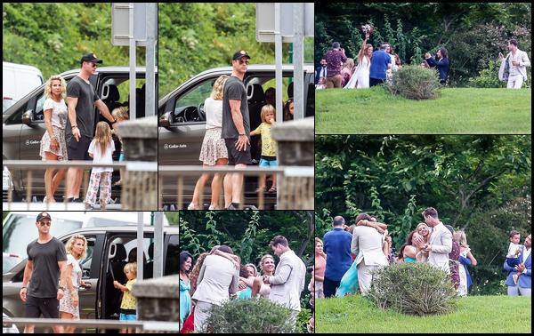 29.07.2018 :  Chris, sa femme Elsa et leurs enfants ont assistés à un mariage dans la ville de Getaria en Espagne
