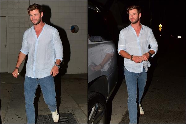 21.07.2019   ▬ Chris Hemsworth cette fois-ci seul a été aperçu se promenant à Santa Monica en Californie  Chris arborait une tenue très simple mais néanmoins très jolie ça fait plaisir d'avoir de ses news, et toi qu'en penses tu ?
