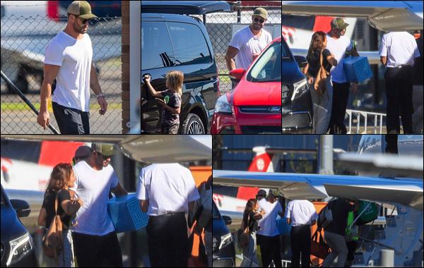 ● 27/03/2021  : Chris Hemsworth a été photographié prenant un jet privé à l'aéroport de Sydney (Australie)  On ignore où notre cher Chris se rendait ! Concernant sa tenue elle est assez simple, je n'ai pas d'avis particulier