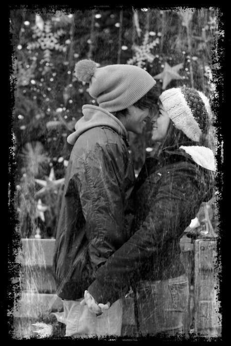 ~ « Je ne veux pas vivre avec ton absence, je veux que tu sois là, et que même si tu n'en as pas le courage, que tu sèches ces stupides larmes... »