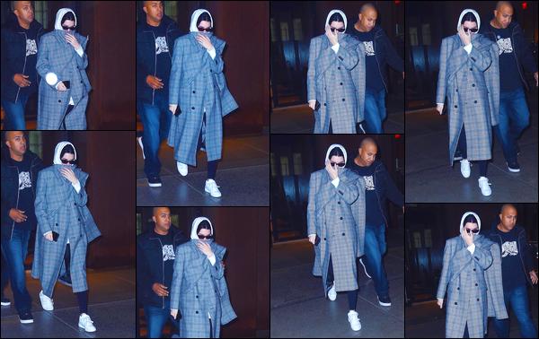 - '-07/02/18-' ◘Kendall Jenner a été photographiée alors qu'elle quittait l'appartement de sa BFF Gigi Hadid. C'est une Kendall toute camouflée que nous retrouvons aujourd'hui ! Côté tenue je lui donne un bof. Et toi qu'en penses-tu, ton avis ? -