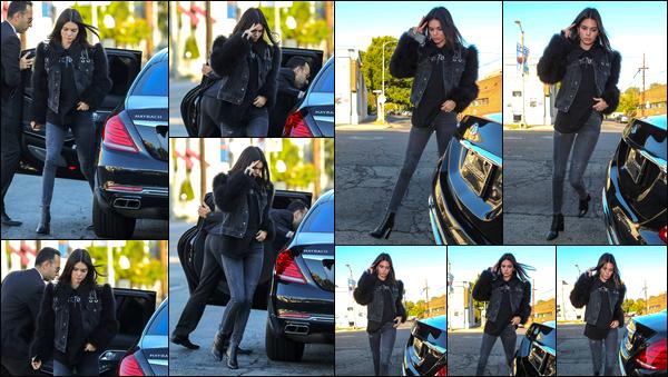 - 28/05/17 : Kendall Jenner a été vue alors qu'elle arrivait au restaurant « Nobu » situé à West Hollywood. C'est ainsi pour se rendre au restaurant que nous retrouvons notre superbe mannequin à qui j'accorde ainsi pour le coup un léger bof ! -