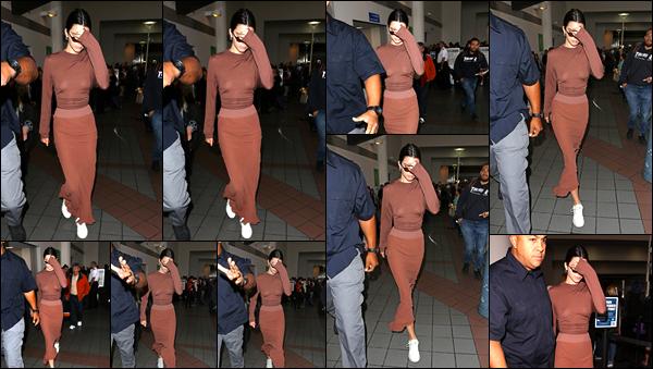 - '-08/06/17-' ◘Kendall Jenner a été photographiée par les paparazzis lorsqu'elle quittait l'aéroport de LAX, LA ! Concernant cette tenue j'accorde un petit flop à la belle, je suis pas fan de l'ensemble, de plus le rendu sans soutien gorge n'est pas TOP. -