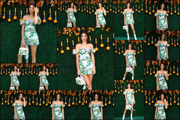 - 03/06/17: Kendall Jenner était présente au «Veuve Clicquot Polo Classic», qui avait lieu à New-York City. C'est dans sa superbe robe qu'elle portait en s'y rendant que nous retrouvons notre belle mannequin à cet événement ! Un énorme top ! -