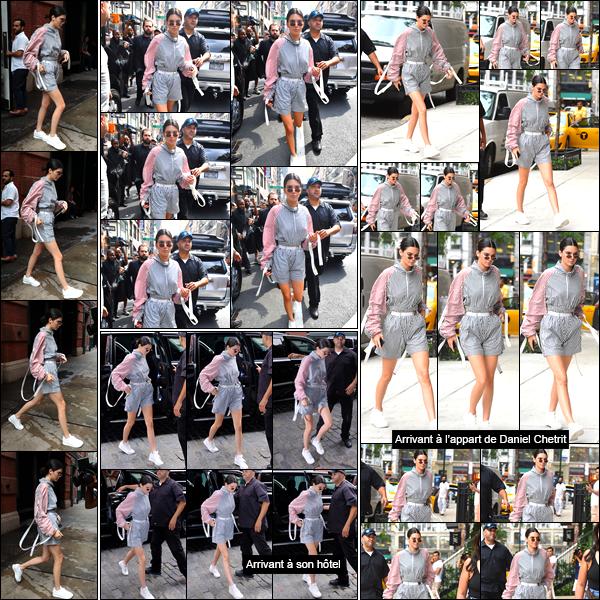 - '-28/07/17-' ◘Kendall Jenner a été vue alors qu'elle venait de quitter l'hôtel « The Mercer », dans Manhattan. Kendall a un peu plus tard été photographiée alors qu'elle quittait le magasin de vêtements « Kith » étant situé à New-York City. Un flop. -