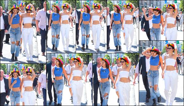 - '-08/07/17-' ◘Kendall Jenner a été aperçue avec Bella Hadid lors de la « London Pride », ayant lieu à Londres. C'est à l'occasion de la gay pride que nous retrouvons nos deux amies mannequin main dans la main. Tenue assez simple, sobres, un top. -