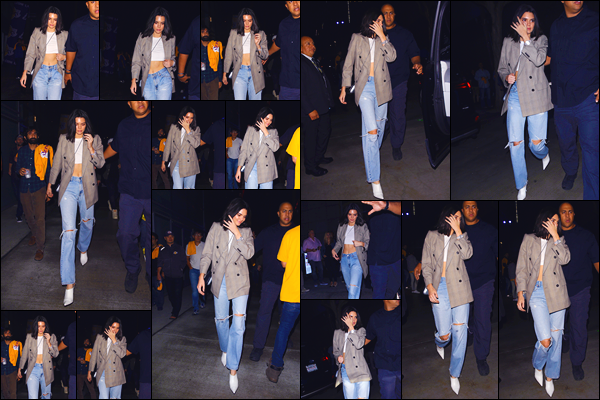 - '-19/10/17-' ◘Kendall Jenner a été vue alors qu'elle venait d'arriver au «Staples Center» situé à Los Angeles. Plus tard, après le match auquel elle a assisté, notre mannequin a été aperçue alors qu'elle quittait ce même endroit. Un beau petit top ! -