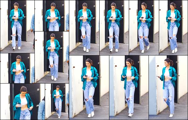 - '-12/03/18-' ◘Kendall a été photographiée par les paparazzis, alors qu'elle quittait un studio, à Los Angeles. Décidément en ce moment notre belle mannequin ne cesse de montrer le bout de son nez, il était temps. Côté tenue je donne un top ! -