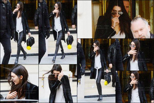 - 05/03/16 - Kendall Jenner a été photographiée alors qu'elle quittait son hôtel, se situant dans Paris, France. La jeune mannequin a donc quitter son hôtel parisien dans un look total black pour se rendre vers une destination inconnue pour le moment. Top?  -