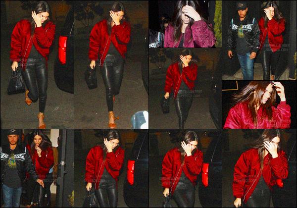 - 30/03/16 - Kendall Jenner a été photographiée alors qu'elle quittait le The Nice Guy dans le West Hollywood.La jeune mannequin est apparue dans une tenue totalement noir et accompagnée d'une veste bordeaux. Je ne suis pas fan de la veste. Vous? Avis?-