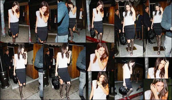- 02/04/16 - Kendall Jenner a été photographiée arrivant, puis quittant le The Nice Guy, dans West Hollywood.La jeune mannequin été accompagnée de ses amis. Elle essayait tant bien que mal à se cacher.. Pour sa tenue, c'est un jolie top de la belle ! Vous ?-