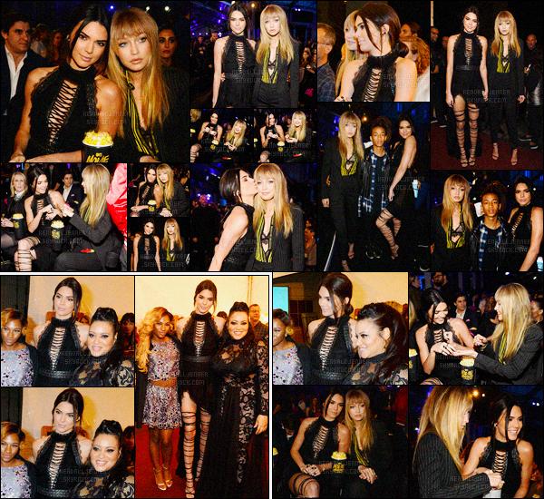 - 09/04/16 - Kendall Jenner était présente à la cérémonie des MTV Movie Awards, qui se déroulait à Burbank.La jeune mannequin été accompagnée de son amie Gigi Hadid. La tenue de Kendall J. était vraiment superbe, même si c'est noir, j'aime beaucoup ! -