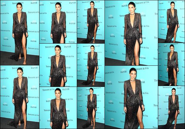 - 20/04/17 : Kendall Jenner assistait à l'événement « Harper's BAZAAR 150th Anniversary» dans New-York. C'est dans une belle robe noir que nous retrouvons notre ravissante Kendall J. lors de cet événement. Je lui accorde ainsi un énorme top ! -