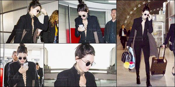 - 21/04/16 - Kendall Jenner a été aperçue, pendant, qu'elle arrivait à l'aéroport Charles de Gaulle, à Paris, FR.La jeune mannequin est donc reparti direction Los Angeles, je suppose. Très peu de photos pour le moment je compléterai l'article plus tard. Un top.-