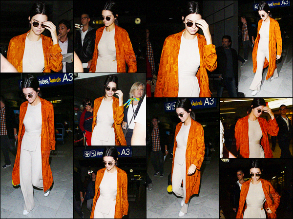 - 10/05/16 - Kendall Jenner a été photographiée alors qu'elle arrivait à l'aéroport, qui se situe à Los Angeles.La jeune mannequin s'est donc envolée pour la France, pour se rendre au festival de Cannes, pour rejoindre notamment, Bella Hadid. Jolie tenue !-
