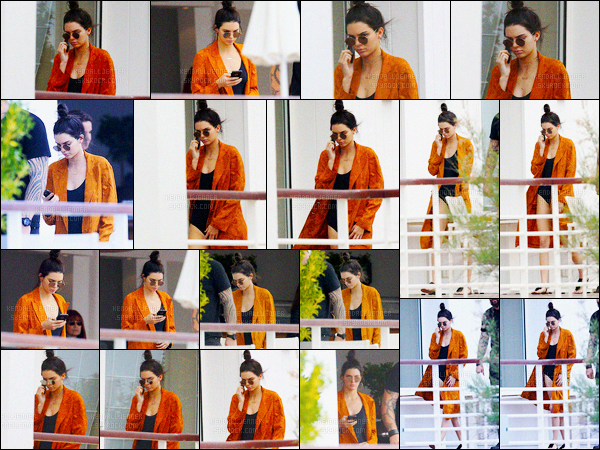 - 13/05/16 - Kendall Jenner a été photographiée, alors, qu'elle était à son hôtel Cap-Eden-Roc, dans Antibes.La jeune mannequin prend donc du bon temps à son hôtel de luxe. La belle est apparue dans un maillot de bain noir et un gilet... C'est un jolie top !-