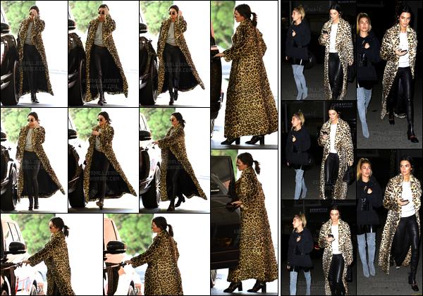 - 07/12/16 : Kendall J a été aperçue lorsqu'elle au magasin de luxe Barney's New York, se situant à BH ! Le soir même la belle Jenner a été aperçue en compagnie de son amie Hailey Baldwin, elles sont rendues auSugarfish à Beverly Hills -
